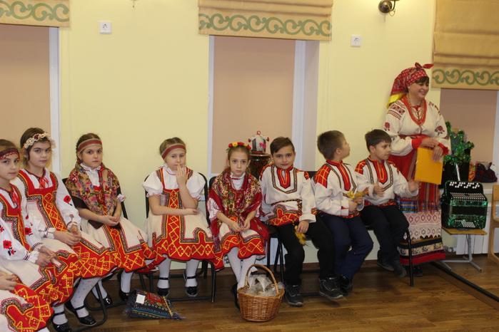 Учащиеся 1-2 классов отделения Музыкальный фольклор