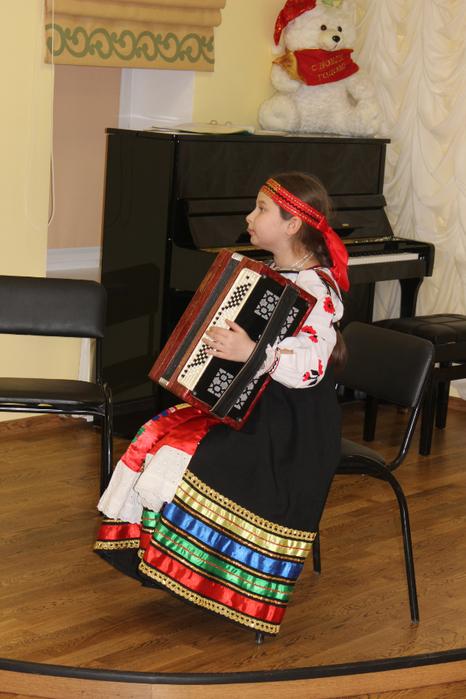 Анастасия Золотухина исполняет Частушку