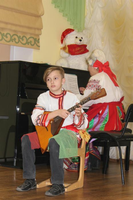 Арсений Малий исполняет Танец