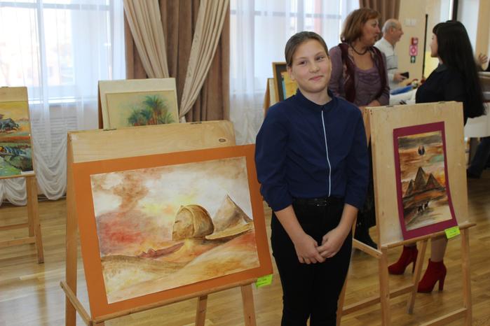 Вера Фатеева со своей работой