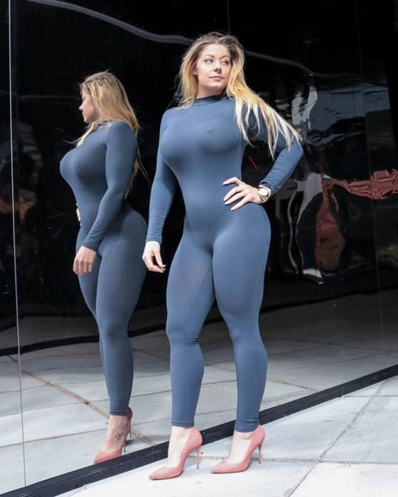 Горячие фото Миа Сэнд демонстрируют ее удивительное телосложение!