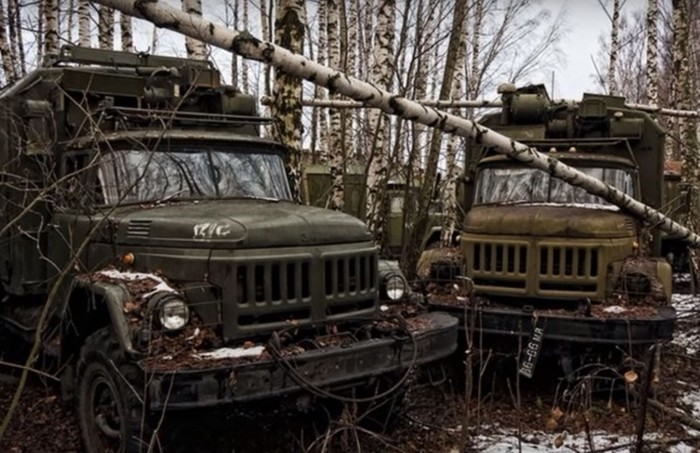 Поисковики исследовали свалку военной техники