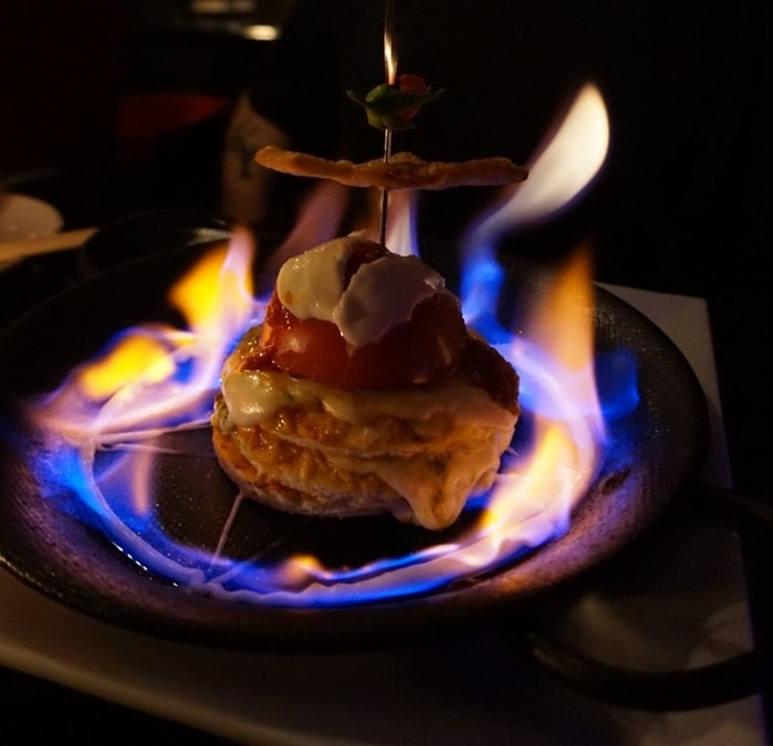 Ресторан вампиров в Токио: противоречивые чувства и вкусная еда