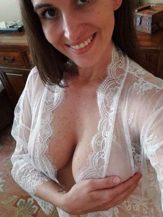 Фотографии девушек с красивой грудью