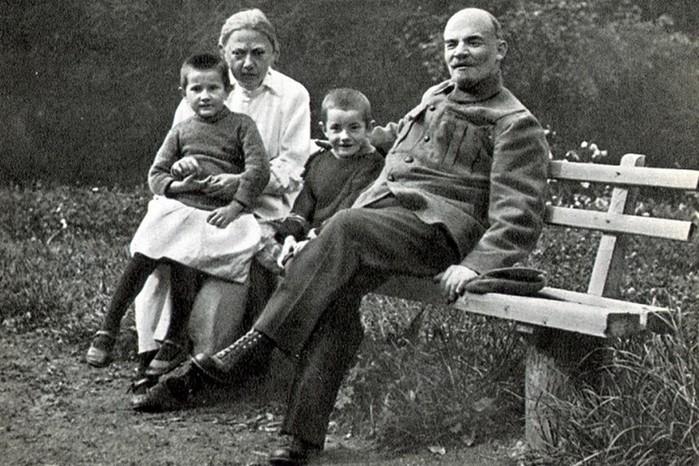 Укого позаимствовал фамилию Владимир Ленин