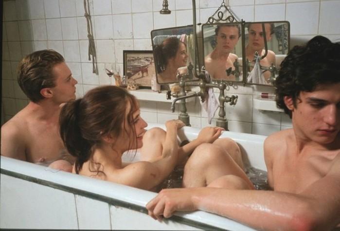 Знаменитые актеры непостеснялись сняться голыми вкино