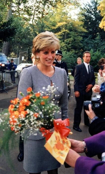 Почему принцесса Диана перестала носить Chanel после развода спринцем Чарльзом