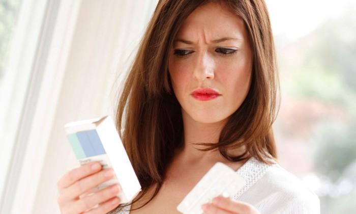 4 глупых мифа о современной косметике