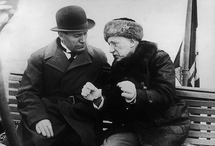 Итальянский поэт эротоман правил страной и держал встрахе Муссолини