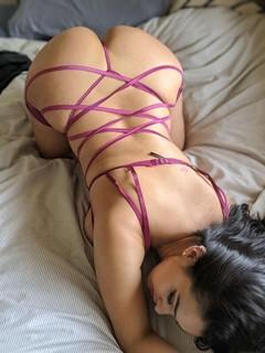 Оттопыренные попы: фотографии сексуальных девушек