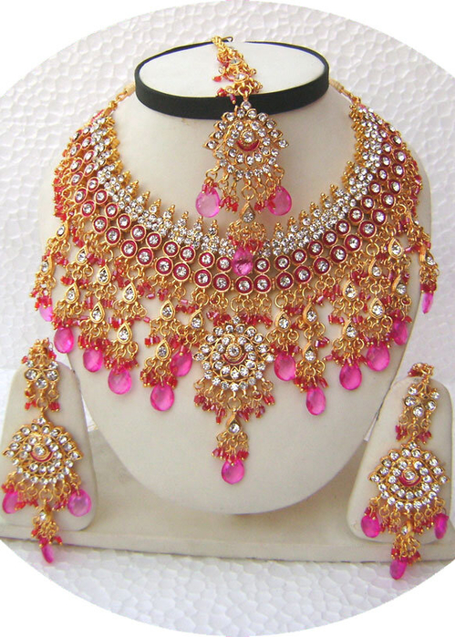 Pink-Indian-Heavy-Golden-Base-Necklace-Set-with-Tika[1] (499x700, 470Kb)