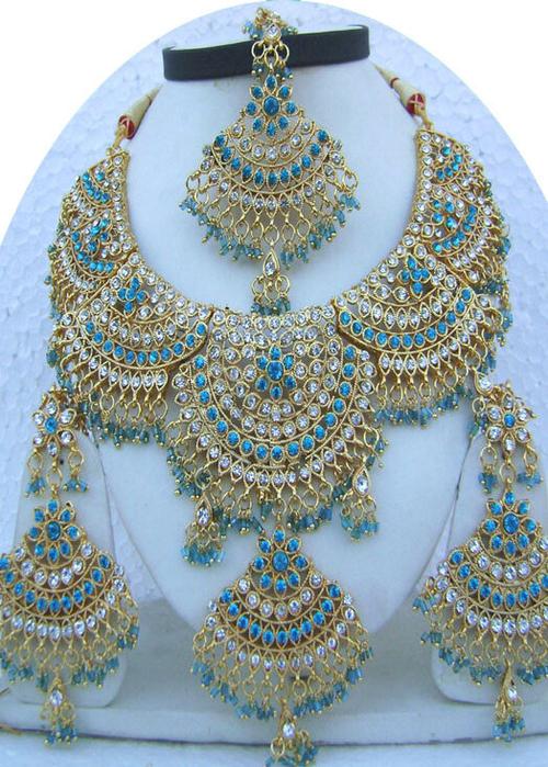 Sky-Blue-Jhoomar-Style-Golden-Base-Necklace-Set-with-Tika[1] (500x700, 508Kb)