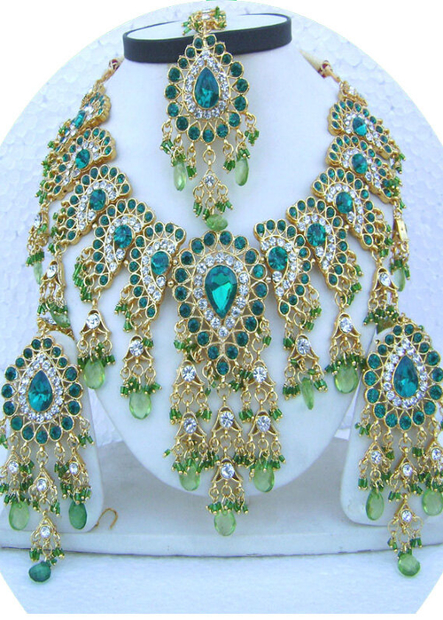 Teal-Green-Drop-Jhoomar-Pandent-Golden-Base-Necklace-Set-with-Tika[1] (500x700, 505Kb)