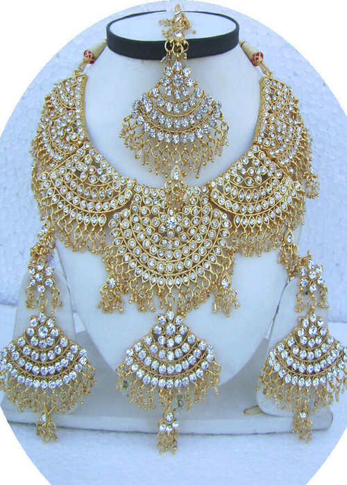 Golden-Jhoomar-Style-Golden-Base-Necklace-Set-with-Tika[1] (500x700, 498Kb)