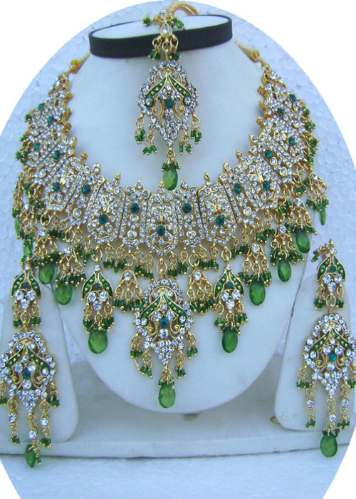 Bottle-Green-Unique-Design-Golden-Base-Necklace-Set-with-Tika[1] (500x700, 461Kb)