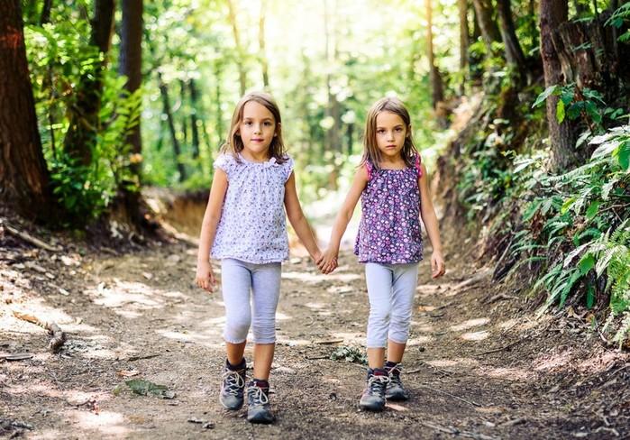 4 знаменитости, у которых неожиданно есть близнецы