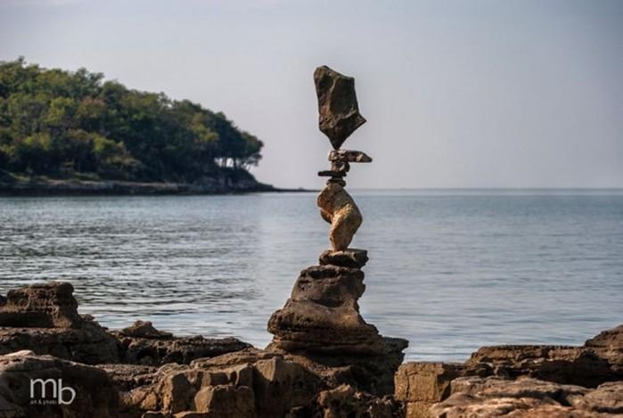 Балансирующие камни Михи Брыновеца