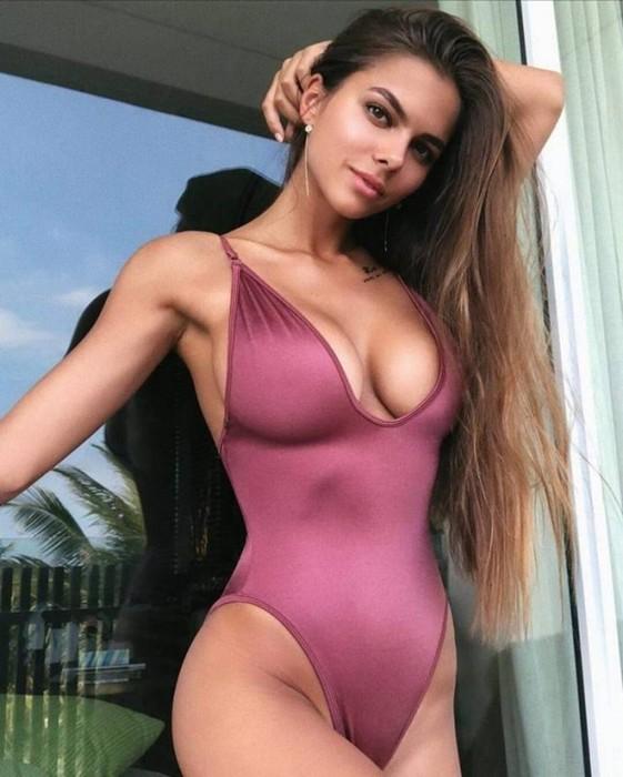 Красивые девушки в бикини: подборка фотографий