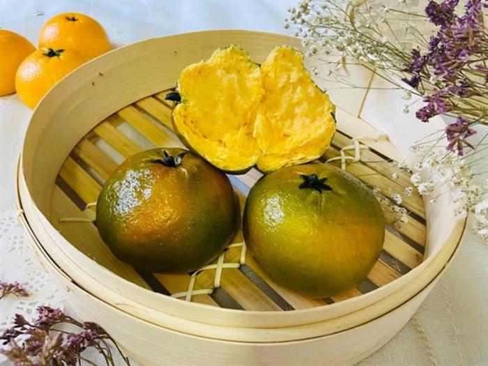 Реалистичные булочки в виде сочных фруктов