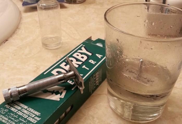 12 способов применения жидкости для снятия лака