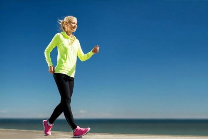Быстрая ходьба может помочь пожилым женщинам жить дольше