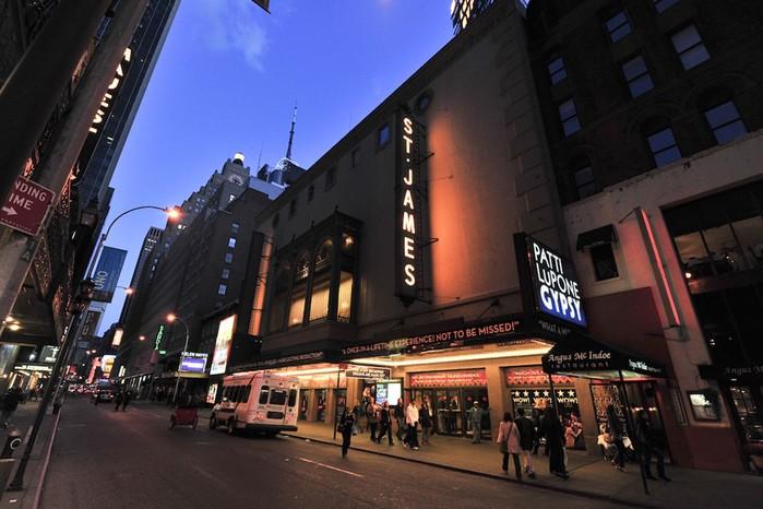 Нью Йорк с больших экранов