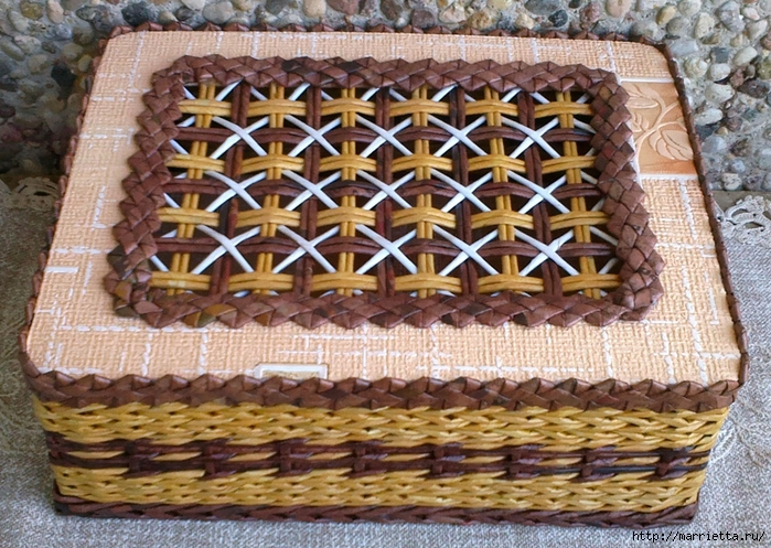 Плетение из газет. Мастер-класс на крышку с цветным узором из трубочек (27) (699x497, 378Kb)