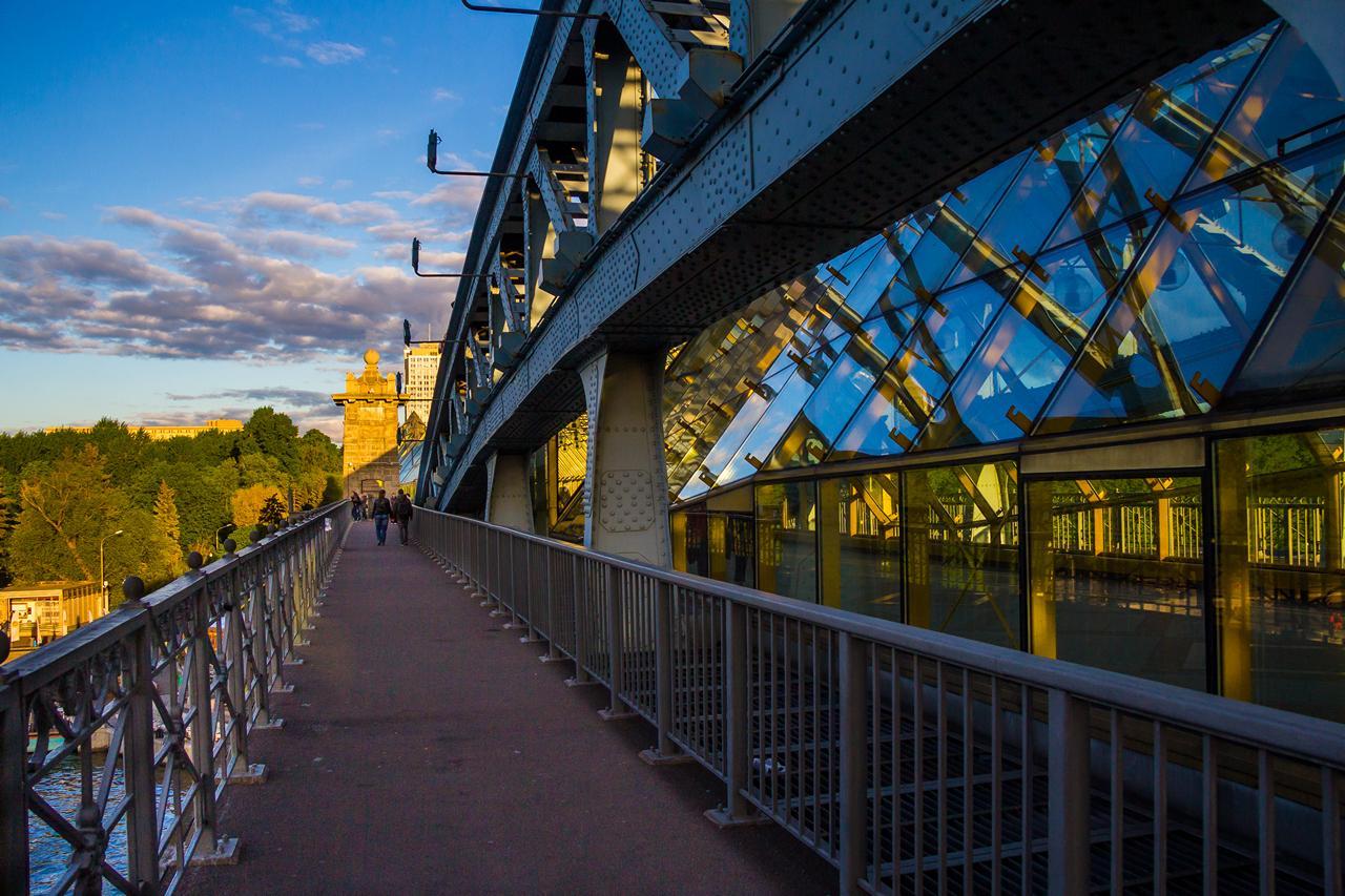 пешеходные мосты москвы фото одной стороны