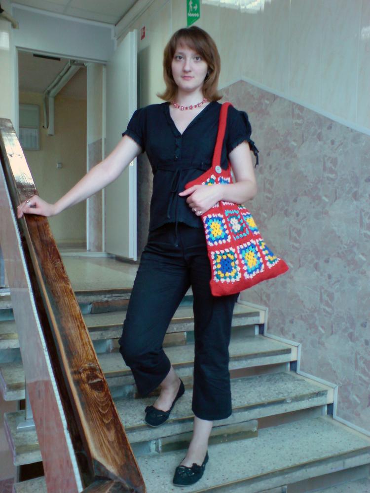 Моя любимая сумка-мешок.  Связала из разных старых остатков пряжи...