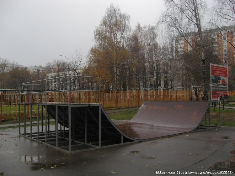 В верхнем Медведковском парке, кстати, парк приводили в порядок (это...