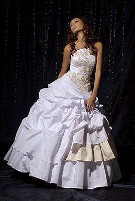 Фото свадебных вечерних платьев.  Эскизы длинных платьев.