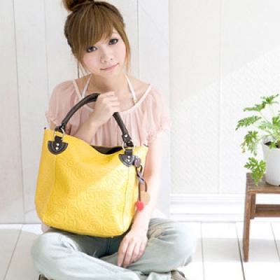 Кожаная сумка желтого цвета - DonnaModa.Ru.