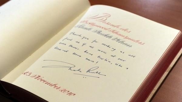 Как красиво подписать книгу в подарок подруге