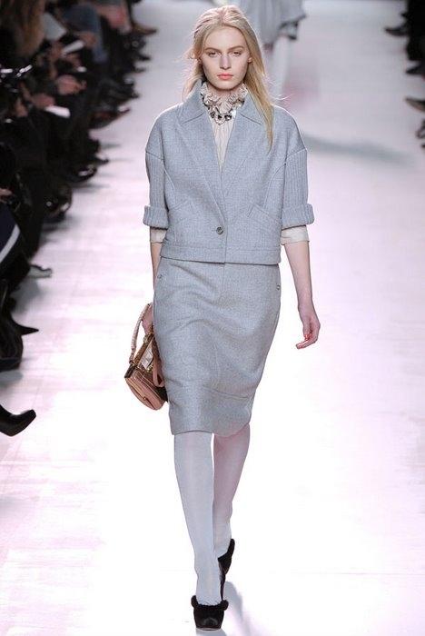 Nina Ricci представили свою коллекцию Fall 2011 на Неделе моды в Париже.