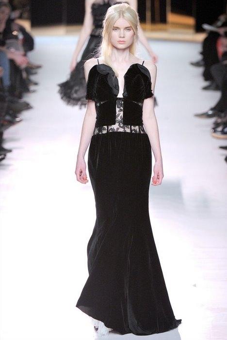 Модный женский показ осень-зима 2011-2012 от Nina Ricci.
