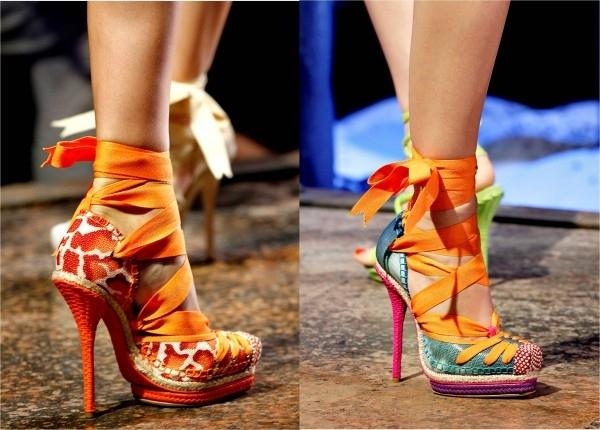 Обувь на высоких каблуках красивая, но вредная.  Какой выход.