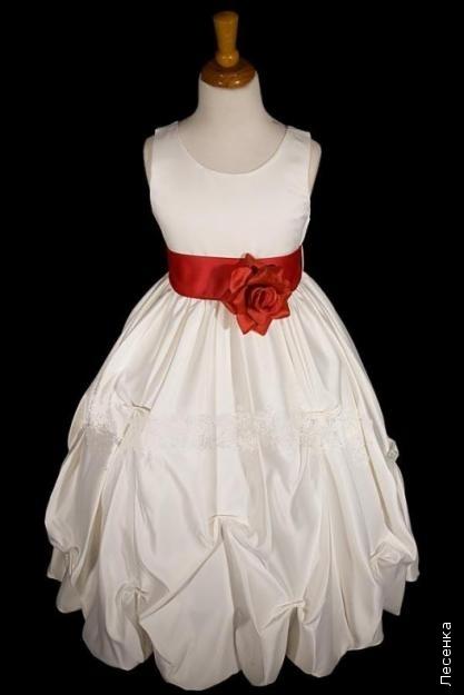 детских нарядных бальных платьев.