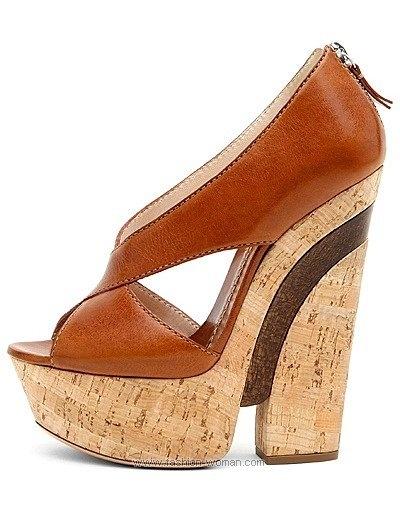 Каталог весенне-летней коллекции обуви итальянской марки Casadei.