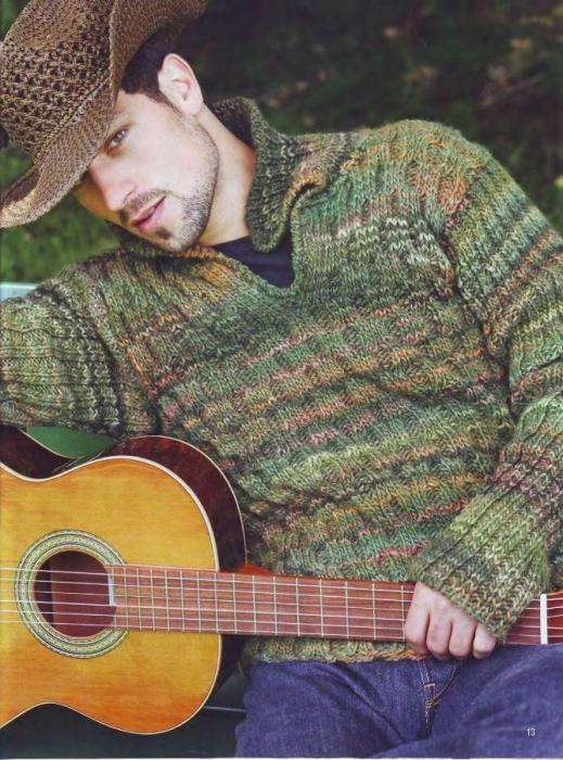 Пуловер с узором из сот.