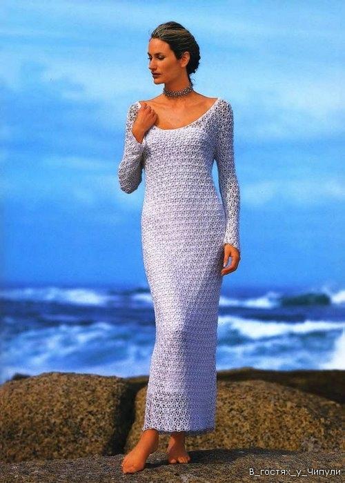 платье с длинными рукавами спицами.