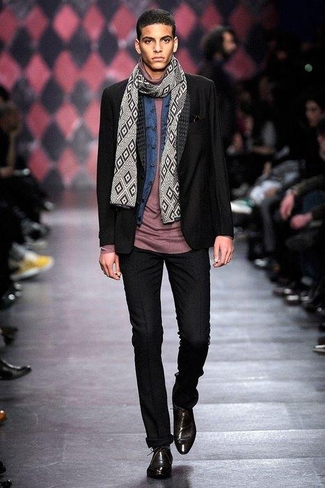 Мужской шарф - стал достойным ответом моде на женские шарфы и.